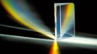 Einfaches Experiment, kontroverse Deutungen: zerlegter Lichtstrahl