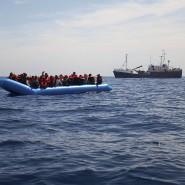 """""""Sea Watch"""" beim Rettungseinsatz"""