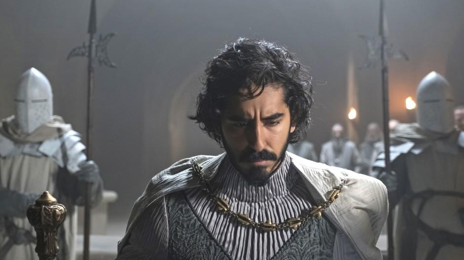 Ein Mann der Schwert- und Schwerstarbeit: Dev Patel.