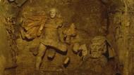 Man sollte sich hüten, bei jeder abgebrochenen Nase einer antiken Statue vorschnell an christliche Taliban mit Hammer und Kreuz zu denken: Mithräum in der Krypta der römischen Kirche Santa Scripta.