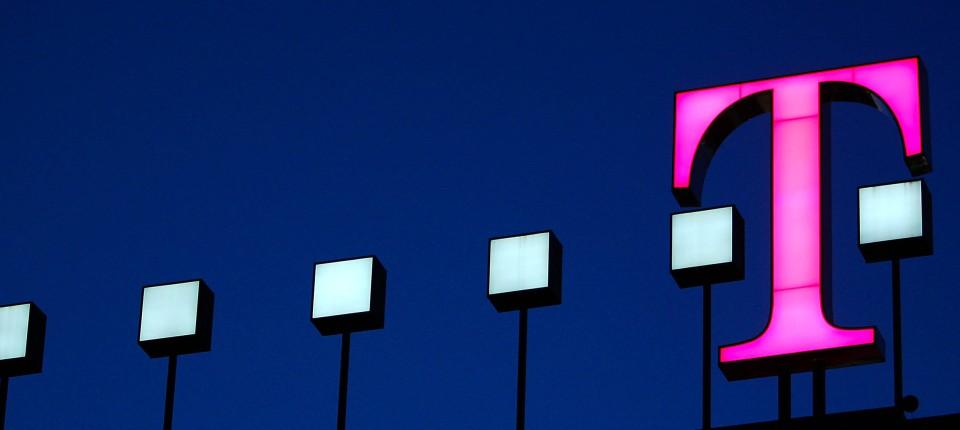Deutsche Telekom Verkauft Internetportal T Online An Ströer