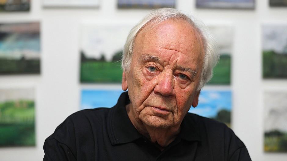 """Thomas Huber liest """"Fragment aus Arnstadt"""" von Jürgern Becker"""