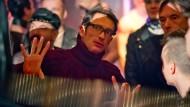 """Oskar Roehler bei den Dreharbeiten von """"Tod den Hippies - Es lebe der Punk!"""""""