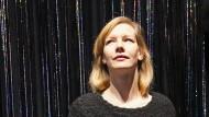 """""""Verrückt sein heißt ja auch nur, dass man verrückt ist und nicht bescheuert"""": Sandra Hüller spricht eine musikalische Hörfassung von Wolfgang Herrndorfs letztem, postum veröffentlichten Roman."""