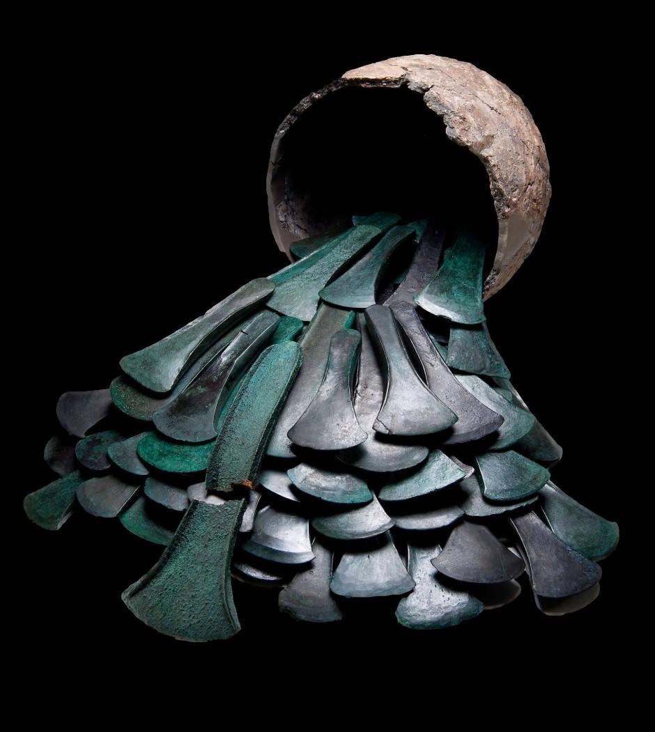 Waffen für die Krieger des Königs: Bronze-Beile aus dem Hort von Dermsdorf