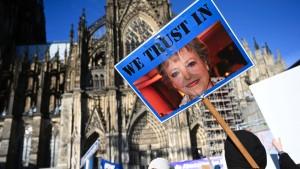 """Hunderte demonstrieren in Köln für die """"Lindenstraße"""""""