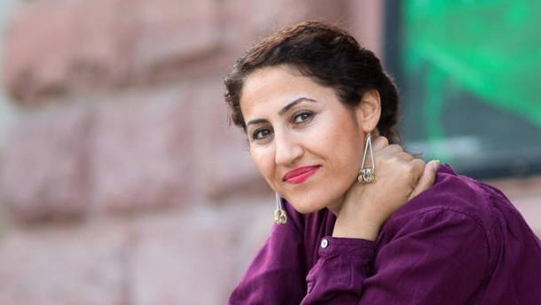 Aynur Dogan - Die kurdische Sängerin stellt sich den Fragen von Rainer Hermann in Mainz.