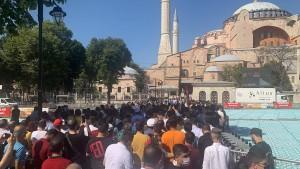 Habt ihr kein Brot, esst doch die Hagia Sophia!