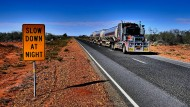 Dreieinhalb Tage für sechzehnhundert Kilometer im australischen Outback und in den Lautsprechern John Williamson.