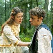 Zwei Seelen wohnen, ach, in ihrer Brust? Nein, nur eine: Lisbeth (Laura Louisa Garde) und Peter (Rafael Gareisen).
