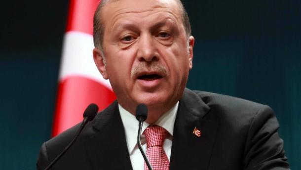 """""""Titanic"""" titelt mit Erdogan-Penis"""