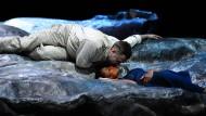 Die Sklavin der Liebe macht den Herrn zum Knecht: Radames (Andrea Carè) und Aida (Adina Aaron).