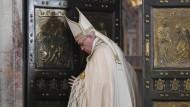 Zweifelnde Kardinäle bald ohne Kardinalstitel?