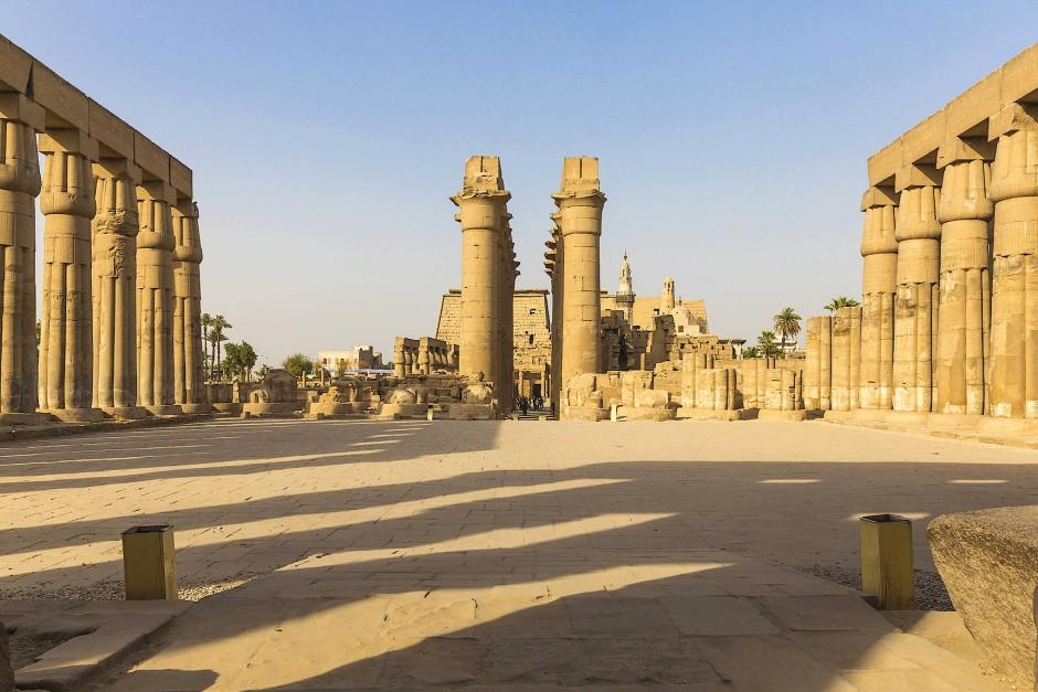 Uns ermöglicht die touristische Eiszeit in den Königsgräbern und Tempelanlagen magische Augenblicke, den Einheimischen jedoch beschert sie Arbeitslosigkeit und Armut.