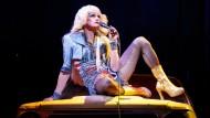 "Neil Patrick Harris als ostdeutscher Transsexueller im Musical ""Hedwig and the Angry Inch"", das vier Tonys holte."