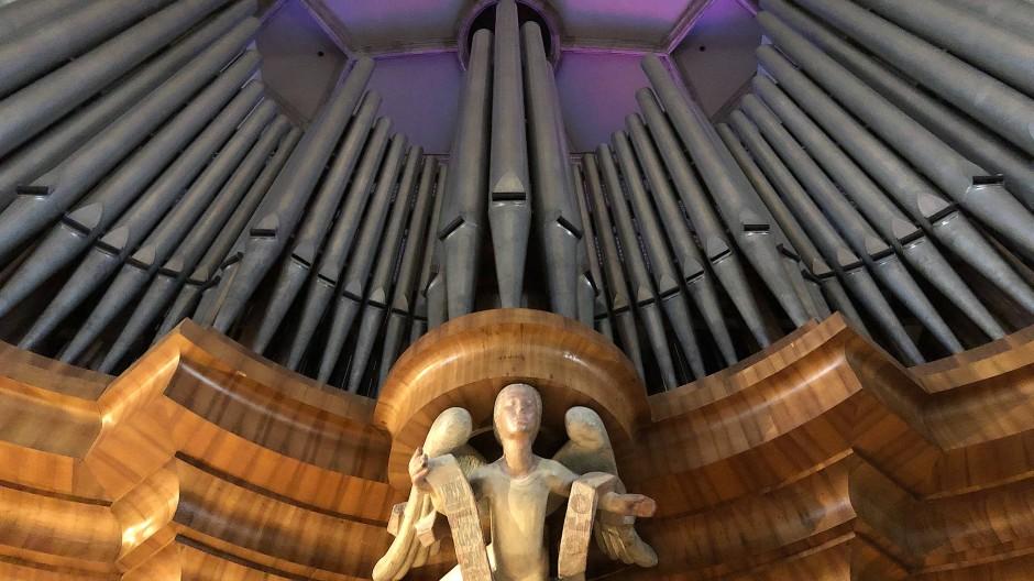 Prospekt der neuen Orgel im Wiener Stephansdom (Teilansicht)