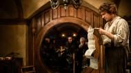 Was bedeutet hier dieser Ablativ? Bilbo Beutlin studiert seinen Entsendungsvertrag.