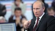 """So viel steht fest: Er hat als Gast im Sender """"Rossia 24"""" nichts zu fürchten - Wladimir Putin"""