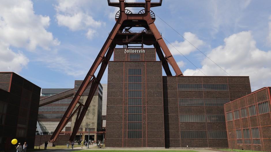 Der Förderturm der Zeche Zollverein. Die Stadt Essen will ein erweiterbares Grundstück auf dem Gelände für das geplante Bundesinstitut für Fotografie zur Verfügung stellen.