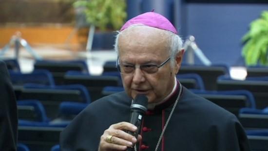 Zollitsch trifft Papst zu Gesprächen wegen Limburger Bischof