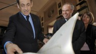 Schreibt Sarkozy ein neues Kapitel der Kulturpolitik - mit Mitterrand (rechts)?