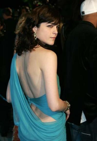 Selma Blair arrives at the 2005 Vanity Fair Oscar Party in Hollywood