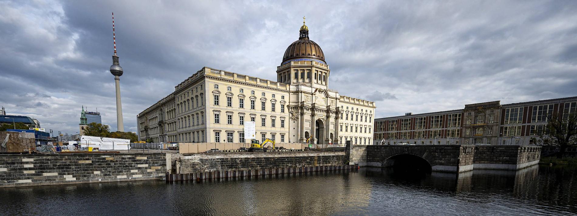 Spendensoll für umstrittene Fassade am Humboldt Forum erfüllt