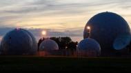 Radarkuppeln auf dem Gelände der Abhörstation des Bundesnachrichtendienstes (BND) in Bad Aibling