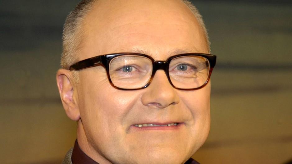 """Thomas Kapielski, fotografiert am 18. September 2005, zwei Tage nach seinem vierundfünfzigsten Geburtstag, bei der Aufzeichnung der ZDF-Sendung """"Nachtstudio"""" in Berlin."""