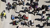 Bürger protestieren in Madison, Wisconsin, weil nach der Erschießung eines Schwarzen durch einen Polizisten keine Anzeige erhoben wurde