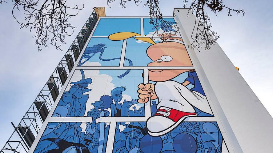 Titeuf gibt es gedruckt und sogar auf einer Hauswand - in Onex bei Genf, wo sein Schöpfer geboren wurde.