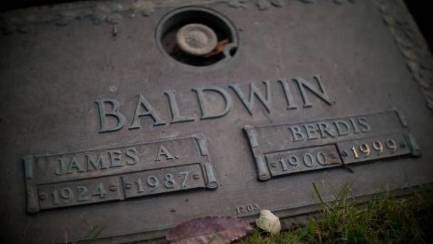 An seinem Grab