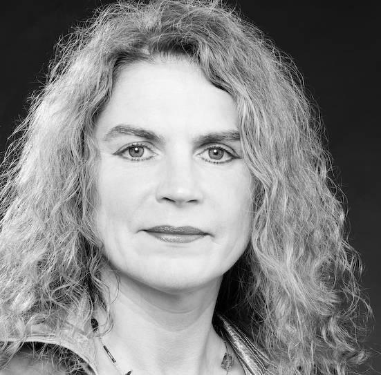 Unsere Kolumnistin Elke Heinemann, Jahrgang 1961, lebt als Schriftstellerin und Publizistin in Berlin