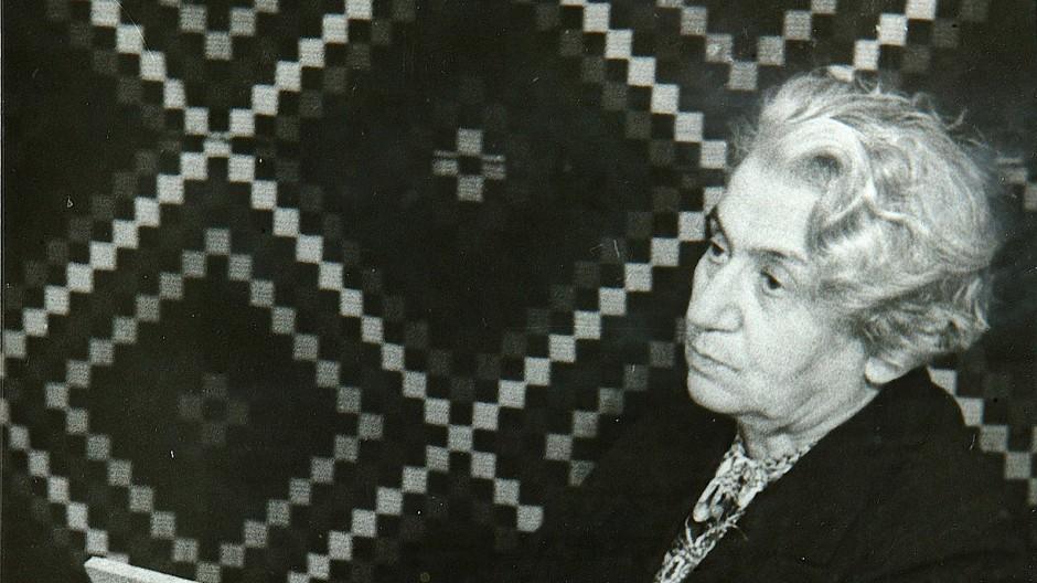Nach außen hin unterwarf sie sich, in ihrem Roman Narrenschiff tat sie ihre wahre Meinung kund: die Schriftstellerin Olga Forsch