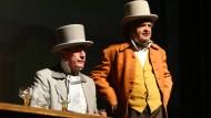 """Der Springer-Vorstandsvorsitzende Mathias Döpfner (links) und """"Focus""""-Herausgeber Helmut Markwort proben im Staatstheater."""