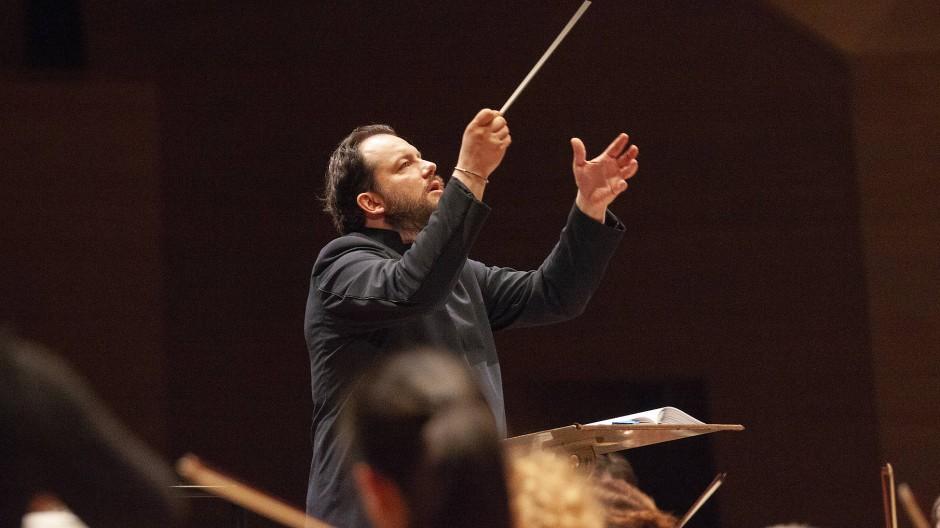 Andris Nelsons dirigiert das Gewandhausorchester in Tokio.