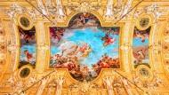 Fresken von Paul Millet an der Decke des Hauptfoyers in der Étage noble des Grand Théâtre Genf.