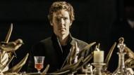 O schmölze doch dies allzu feste Geweih und löst' in einer Show sich auf! Benedict Cumberbatch als Hamlet.