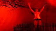 Man kann auch ohne Text zum Himmel schreien: Margit Carstensen im neuen Stückversuch von René Pollesch im Hamburger Deutschen Schauspielhaus