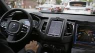Trügerischer Komfort: ein selbstfahrendes Auto des Fahrdienst-Vermittlers Uber