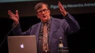 Es gilt, zu landen und sich zu erden: Bruno Latour im Berliner Haus der Kulturen der Welt