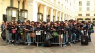 Anstehen vor dem Apple-Store: An diesem Freitag Morgen in London