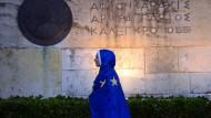 Ein Riss geht durch dieses Volk: eine Teilnehmerin der griechischen Pro-Euro-Demonstration vom vergangenen Dienstag.