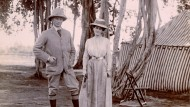 In Pose: Lord und Lady Curzon