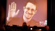Sieht die Ausweitung staatlicher Macht ähnlich kritisch wie der DVPW: NSA-Enthüller Edward Snowden.