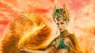 """So haben sich die Produzenten von """"Gods of Egypt"""" die altägyptische Göttin der Liebe vorgestellt: Elodie Yung als Hathor auf einem Filmplakat."""