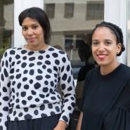 Die Kunsthistorikerinnen Julia Grosse (links) und Yvette Mutumba