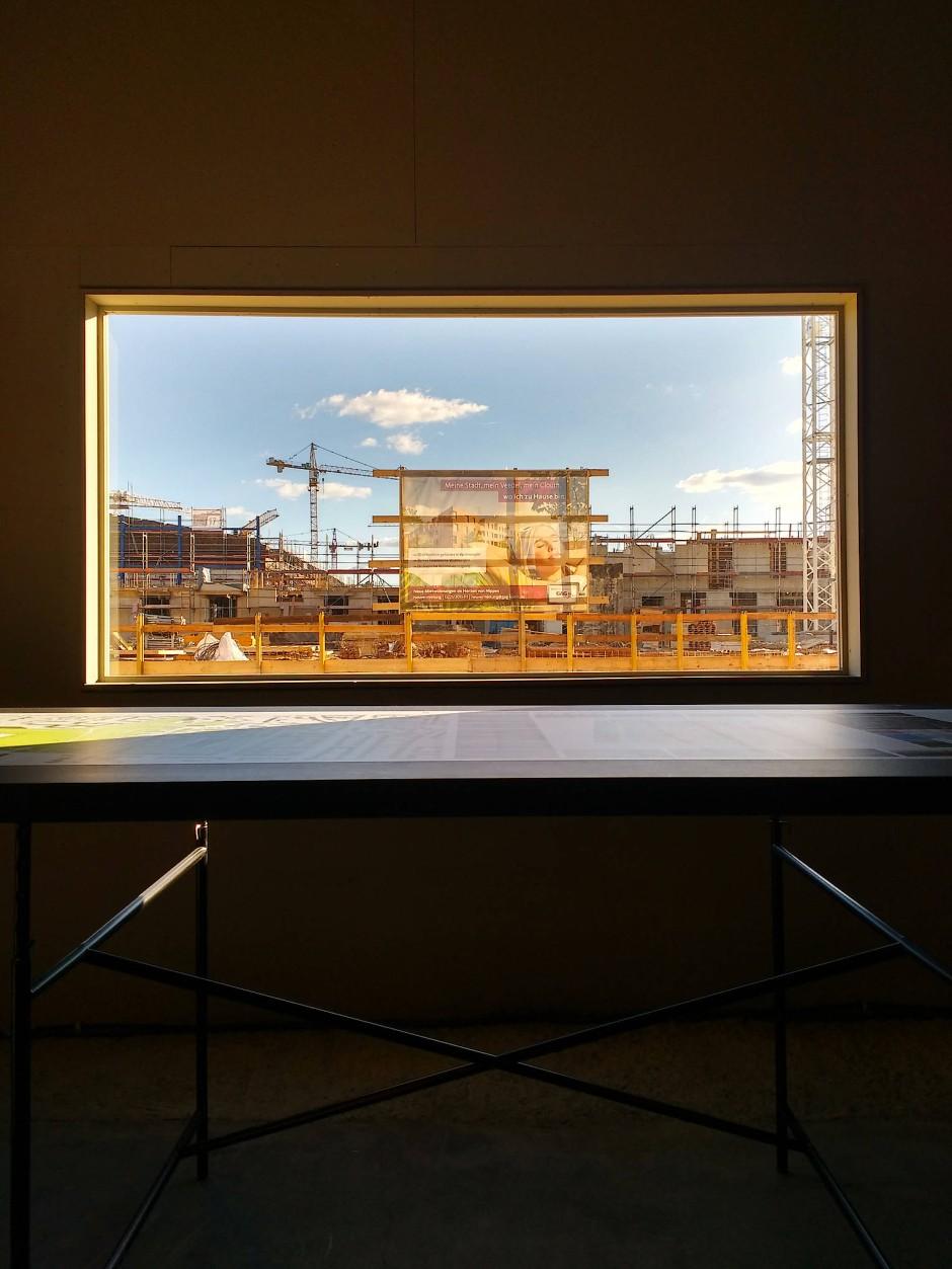 Ausstellung alle wollen wohnen auf clouth gel nde in k ln - Fenster mit aussicht ...