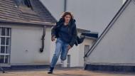 Gerät aus der Bahn: Aylin Tezel als Kommissarin Alex Enders.