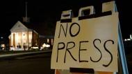 Keine Presse: Die katholische Kirche in Newtown versucht, den Medienrummel fernzuhalten.